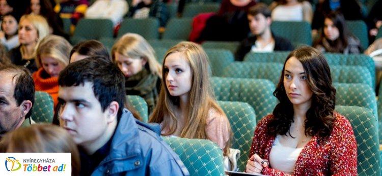 Osztatlan képzésre is több ezer diákot vettek fel: ezeken a szakokon tanulnak a legtöbben