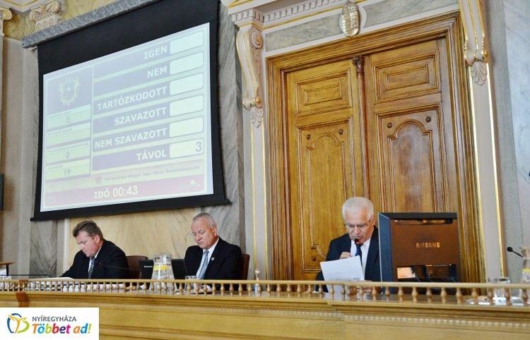 Rendkívüli közgyűlést tartott a mai napon a nyíregyházi önkormányzat