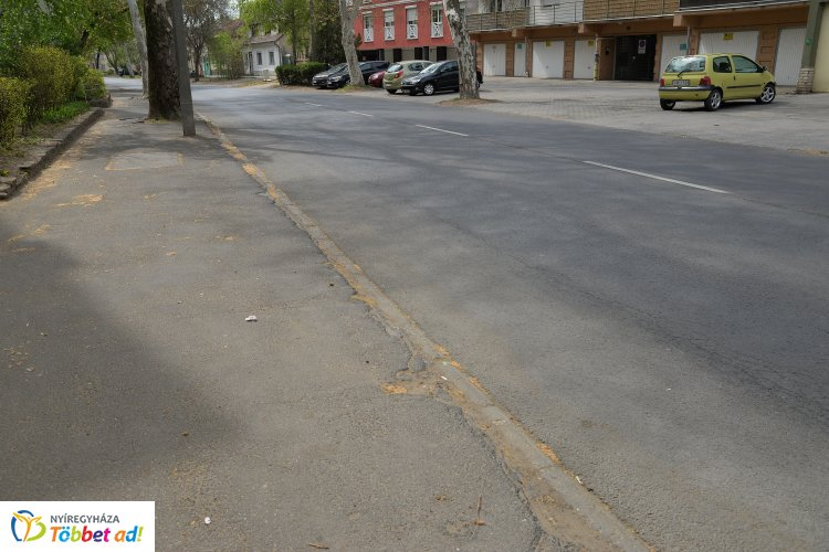 Indul a Szarvas utca felújítása is  egy nyertes önkormányzati projekt keretében