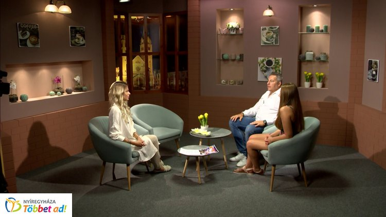 Miss Summer Sunshine, kiállításajánlók és augusztus 20-ai programok a Sziesztában