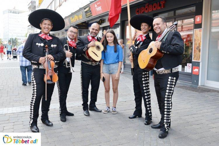 Táncolj Nyíregyháza! - A Kossuth téren tartottak táncházat