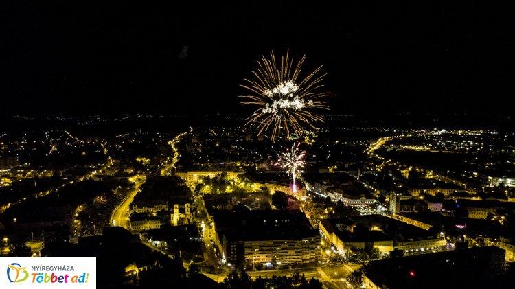Ünnepi tűzijáték úgy, ahogy még nem látta – Különleges elemekkel bővült idén