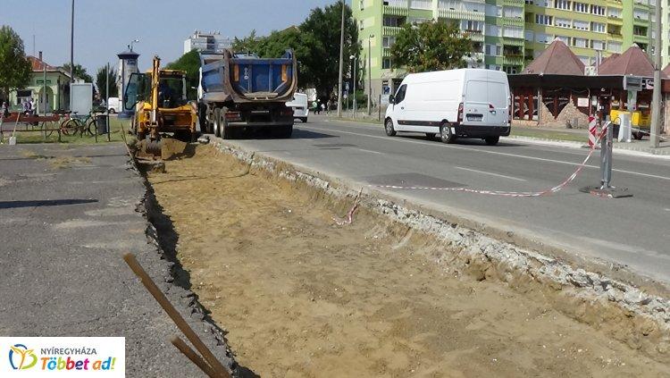 Forgalomkorlátozás mellett zajlik a Búza téri autóbuszmegálló átépítése