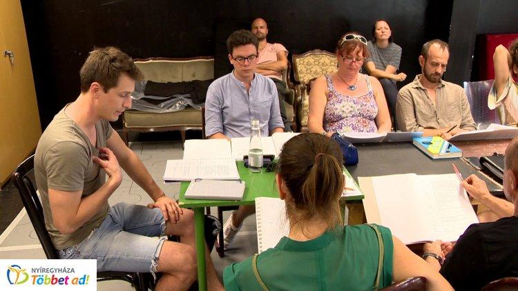 Csütörtökön tartották az évad első olvasópróbáját a Móricz Zsigmond Színházban