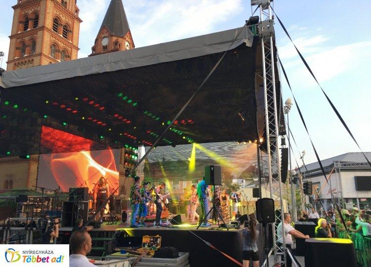 Fantasztikus volt a hangulat a Parno Graszt és a Bohemian Betyars közös koncertjén
