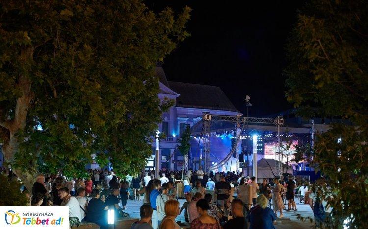 Ma este a Mystery Gang és a La Cumbia Chicharra lép fel a VIDOR Kossuth téri nagyszínpadán