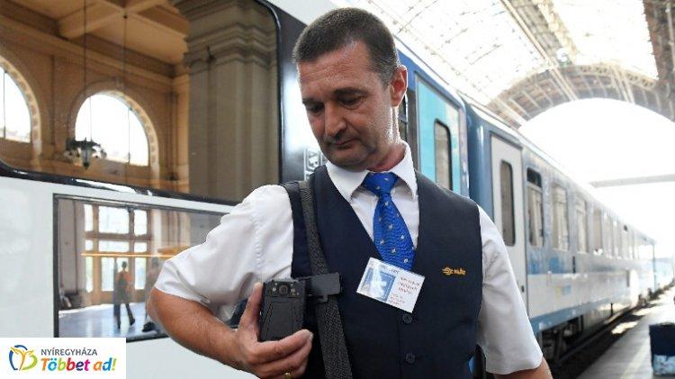 Több mint száz új testkamerát kapnak a vasúti jegyvizsgálók: részletek itt!
