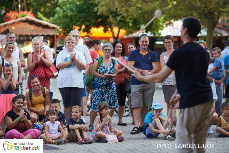 Képösszefoglaló a pénteki VIDOR Fesztiválról - Újra megtelt a Kossuth tér