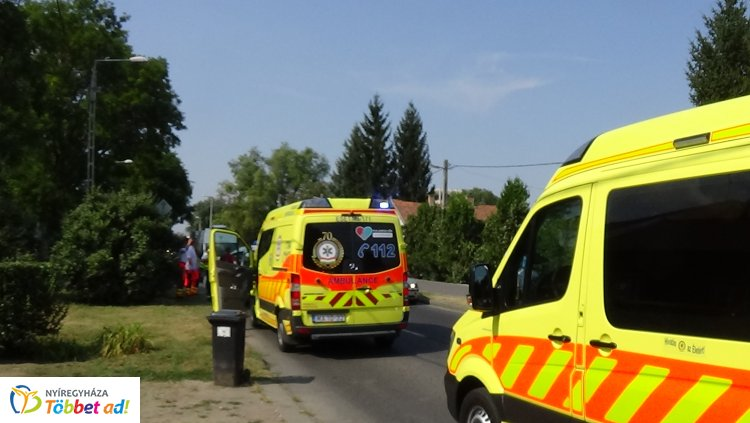 Ketten megsérültek a Rákóczi utcán történt hármas karambolban