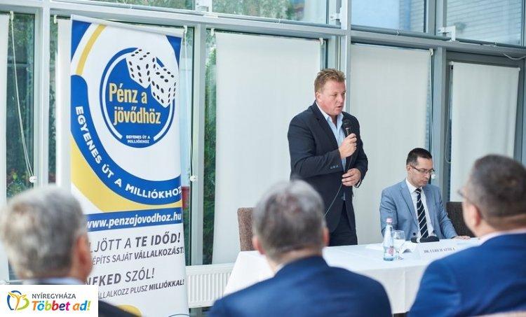 Álláskereső vállalkozók – A Centrál Hotelben tartották a nyitórendezvényt