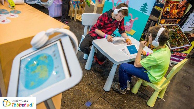 34 vidéki iskolában indul digitális szövegértés-fejlesztő pilot program