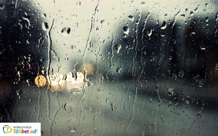 Elő az esernyőkkel – Zivatarra figyelmeztet a meteorológiai szolgálat