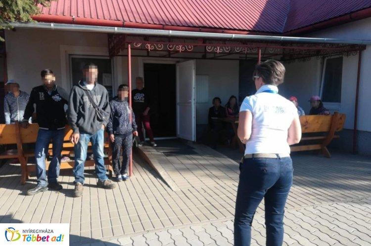 Helyi lakosoknak tartottak bűnmegelőzési előadást Szabolcs megyében