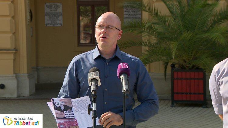 A Jobbik a bérlakásprogramjáról tartott sajtótájékoztatót kedden, Nyíregyházán