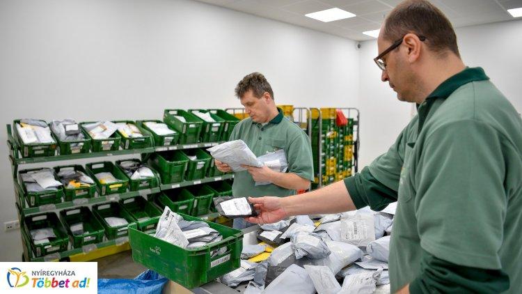 Jelentős, követendő változáson megy keresztül a postai iparág