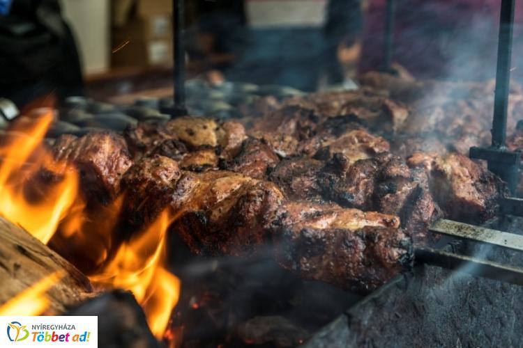 Nyilvános a Tirpák Fesztivál étlapja – Idén 4000 szelet sütőtökös málét osztanak ki