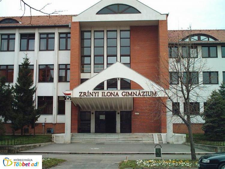Programok a Zrínyi Gimnáziumban - Huszárné Kádár Ibolya igazgató volt a Szieszta vendége