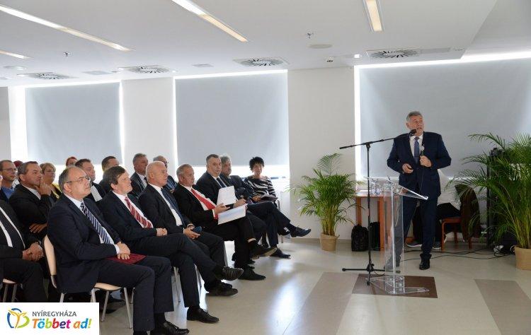 120 éves a Jósa András Oktatókórház – Konferenciával ünnepeltek!