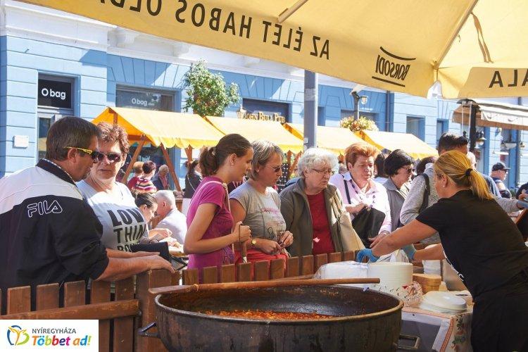 Szabolcsi töltött káposzta,hagymás ropogós csülök és sok finomság a Tirpák Fesztiválon