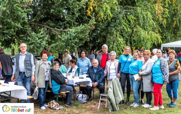 Közös ebéddel és Közbiztonsági Családi Nappal várták a kerekezőket Sóstóhegyen