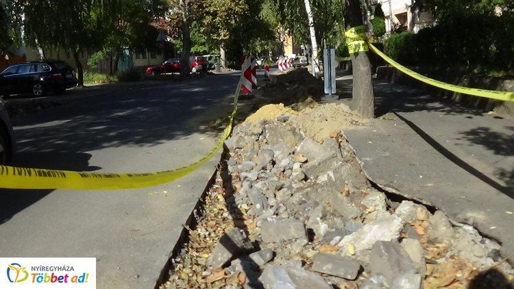 Jelentős szakaszon újul meg a Szarvas utca, így állnak a munkálatok most!