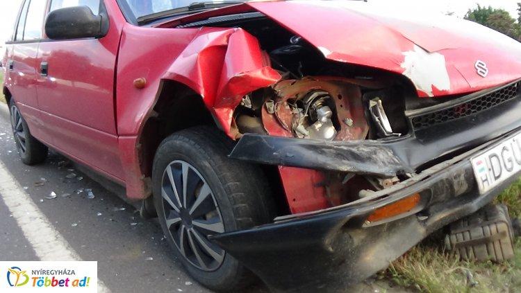 Ráfutásos baleset történt a 41-es főút bevezető szakaszán, az Orosi úton