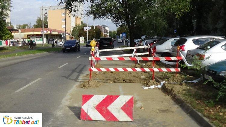 Forgalomkorlátozás mellett közlekedhetnek a Kossuth utcán