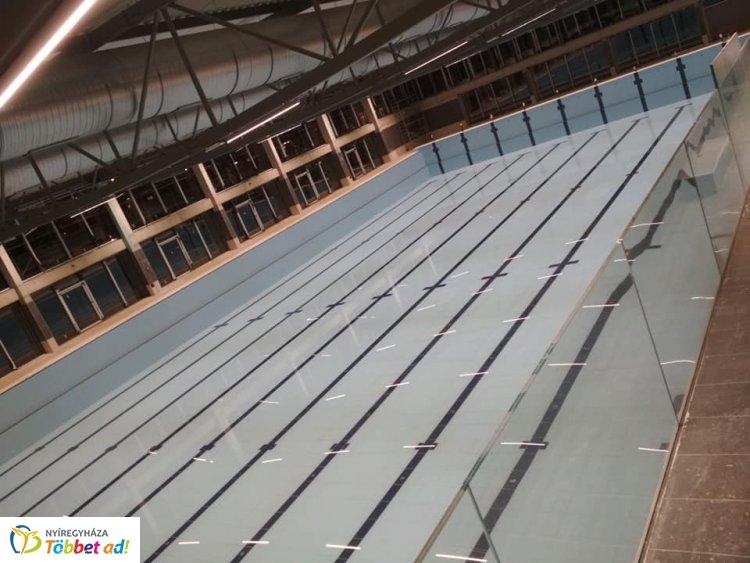 A medencék már készen - a végéhez közeledik az uszoda építése