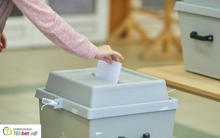 Nemzeti Választási Iroda: a választásra jogosultak 26 százaléka szavazott 13 óráig