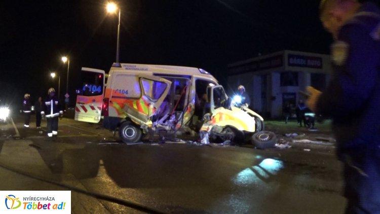 Megrázó helyszíni felvételek – Halálos baleset történt a Pazonyi út és a Törzs utca kereszteződésében