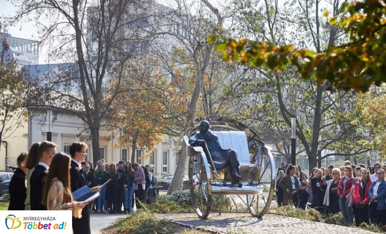 A városunkban 141 éve született írófejedelemre, Krúdy Gyulára emlékeztek pénteken