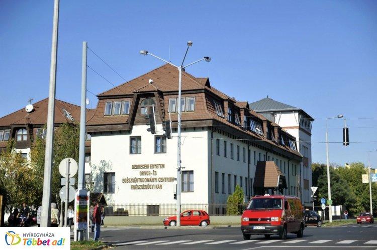 Angol nyelvű, nemzetközi diploma – Singapurból és Bécsből is érkeztek Nyíregyházára