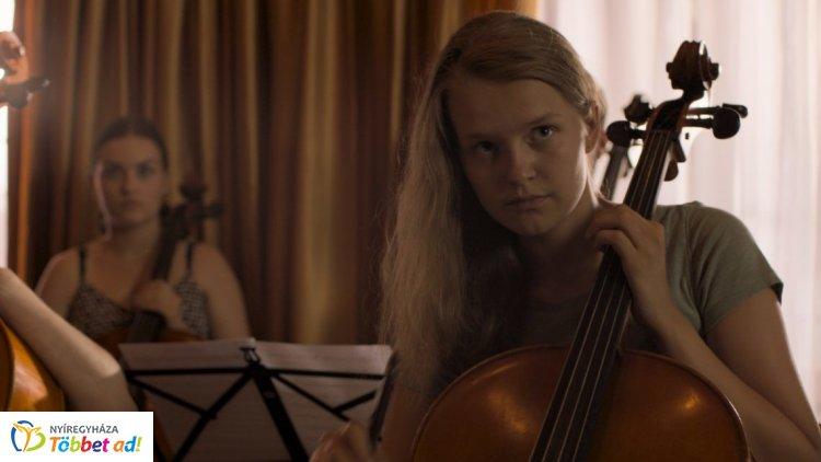 Szép csendben – Nyíregyházi rendező filmje került a mozikba, közönségtalálkozót tartottak