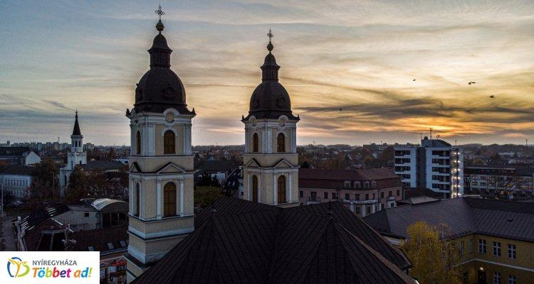 Három méterrel a város felett – Újabb légifotók Nyíregyháza belvárosáról