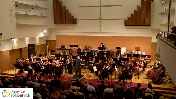 Klasszikus szépség – A Miskolci Szimfonikus Zenekar és Lakatos György lépett színpadra