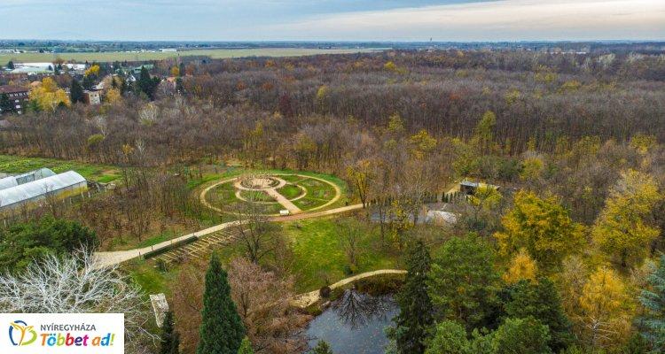 Nézzen szét 360 fokos légifotónkon a Tuzson János Botanikus Kert felett!