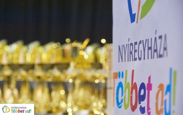 Városi Sportgála - díjazták Nyíregyháza legjobb sportolóit és a felkészítő edzőket