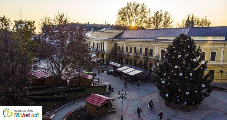 Nyíregyházi Advent – Koncertek, fellépők, játékok a Kossuth téren