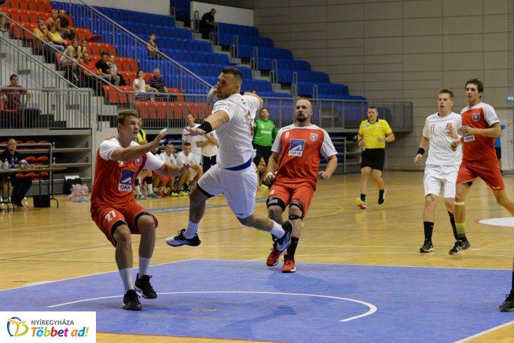 Izgalmas meccs végén győzelem - legyőzték a Fradi U21-es csapatát a kézilabdások