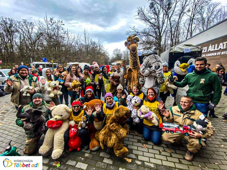 Határon túlról is érkeztek látogatók a Nyíregyházi Állatpark 100 forintos napjára – Fotók!