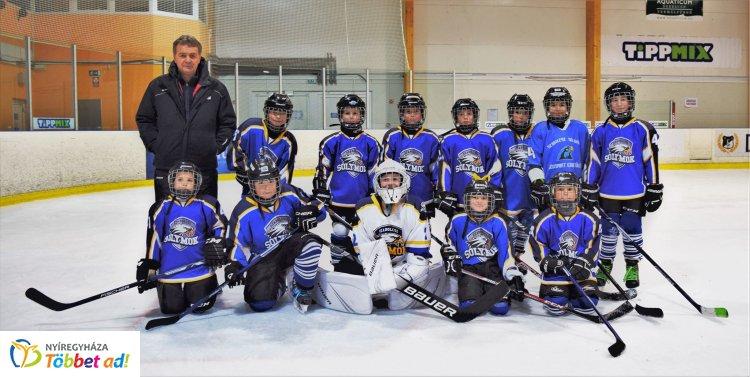 Mindenkit legyőztek a Sólymok - győzött Debrecenben a jégkorong együttes