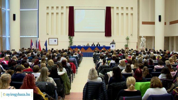 Nyíregyházi Óvodapedagógusok Őszi Akadémiája – Konferenciát tartottak az egyetemen