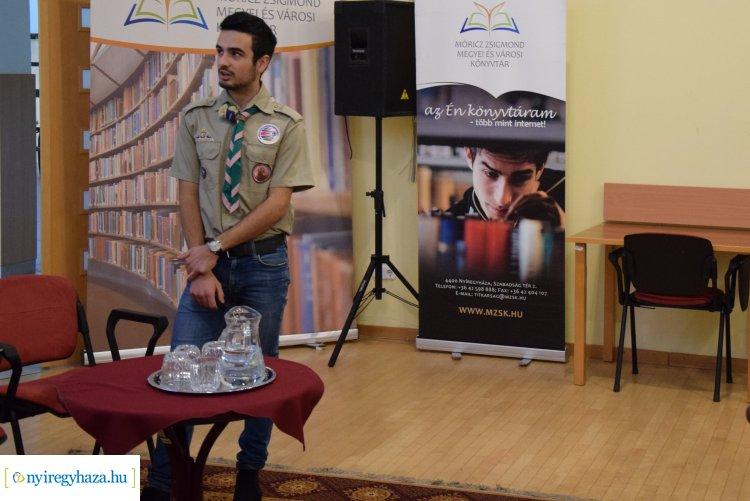 Izgalmas előadást tartott Sayej Marcell a Móricz Zsigmond Megyei és Városi Könyvtárban
