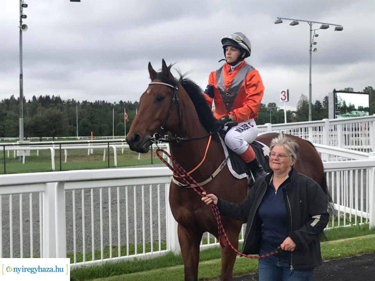 Egyetemre jár, közben pedig rangos nemzetközi lóversenyeken indul - Májer Cintia