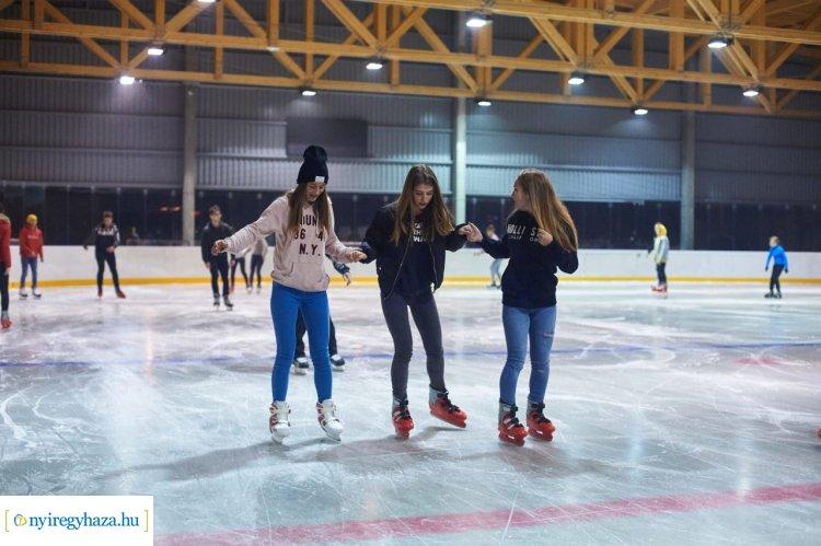 Szeretsz korcsolyázni? Akkor ott a helyed a nyíregyházi Jégkalandon!