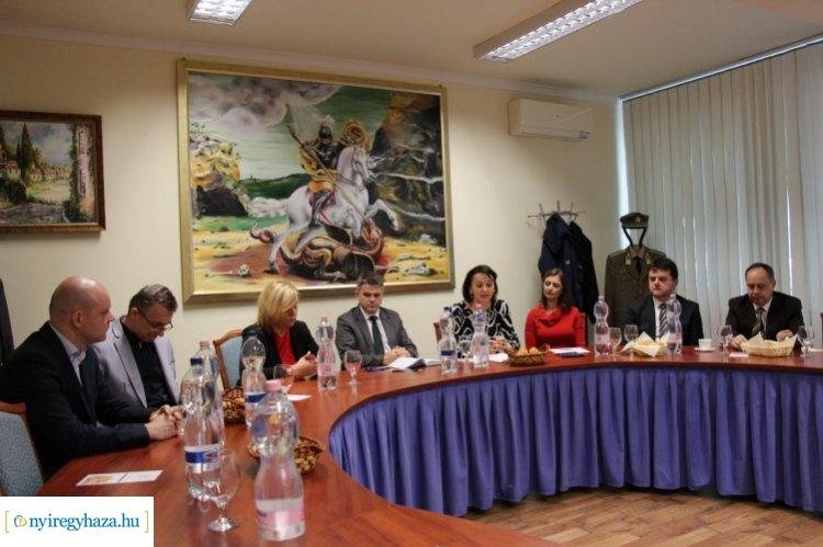 Emberkereskedelemmel kapcsolatos mechanizmus ülés Nyíregyházán