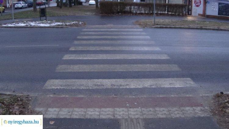 Gyalogost gázoltak a Szalag utca egyik kijelölt gyalogos-átkelőhelyén