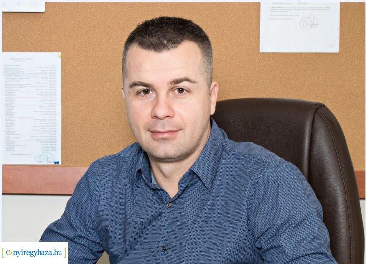 Az igazgató pihenője - Kemény év után új feladatok várják Kirják Róbertet