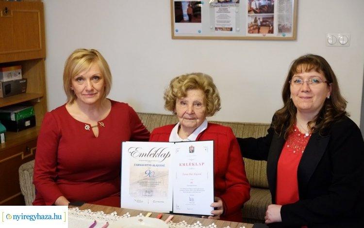 Tarnai Ottónét 90. születésnapján köszöntötték ma Nyíregyházán