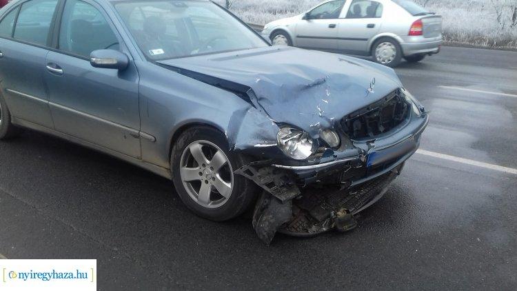 Friss! Egy személy megsérült a Rozsrétszőlő külterületén történt balesetben